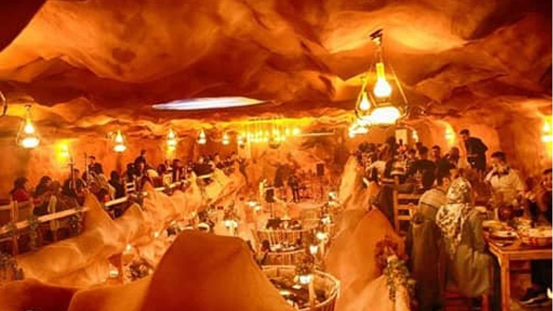 15 درصد تخفیف منوی سفره خانه سنتی غار نمک